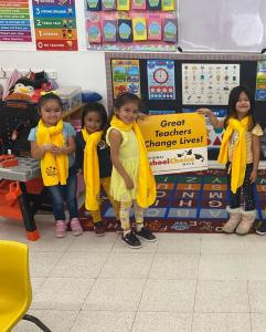 Bonnie Academy celebrating yellow day ☀️ #schoolchoiceweek #preschool #glendalepreschool #glendaydaycare #bestchildcareglendale (20)