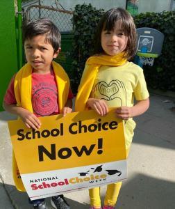 Bonnie Academy celebrating yellow day ☀️ #schoolchoiceweek #preschool #glendalepreschool #glendaydaycare #bestchildcareglendale (4)