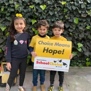 Bonnie Academy celebrating yellow day ☀️ #schoolchoiceweek #preschool #glendalepreschool #glendaydaycare #bestchildcareglendale (13)